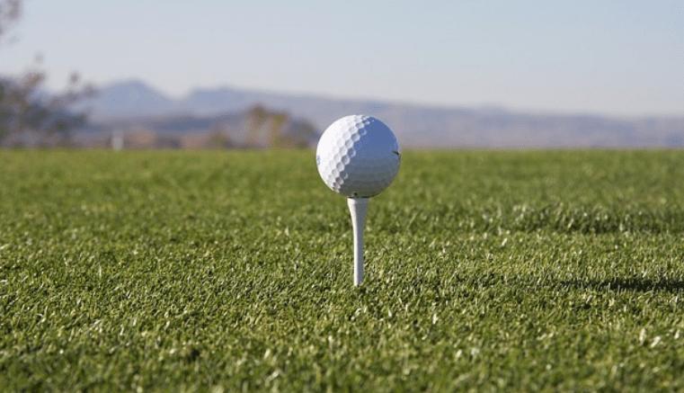 Los golfistas del campo los Balagares afectados por impago